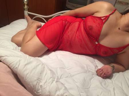 Photo ads/1295000/1295517/a1295517.jpg :  femme asiatique pour voyeur et uro, MONTPELLIER
