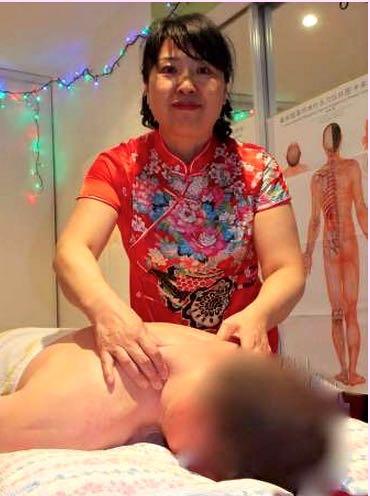 Photo ads/1589000/1589056/a1589056.jpg : Guérizen vous soigne en vous massant.